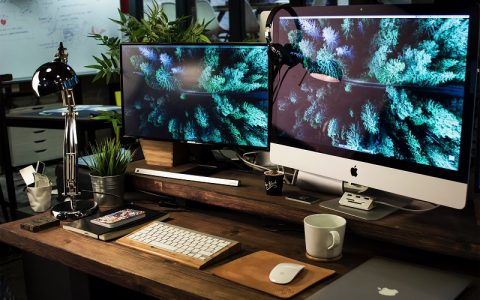 imac station to help with all your social media needs